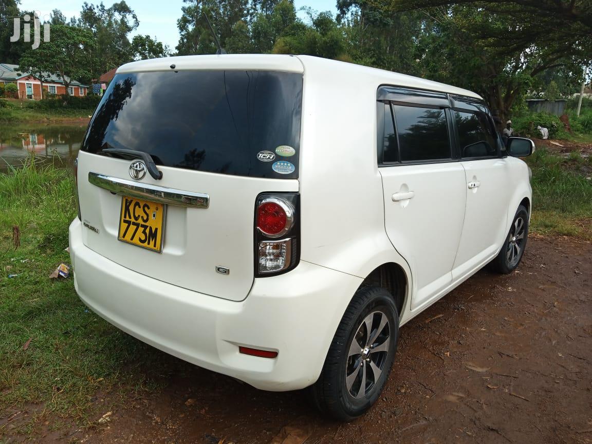 Archive: Toyota Raum 2005 White