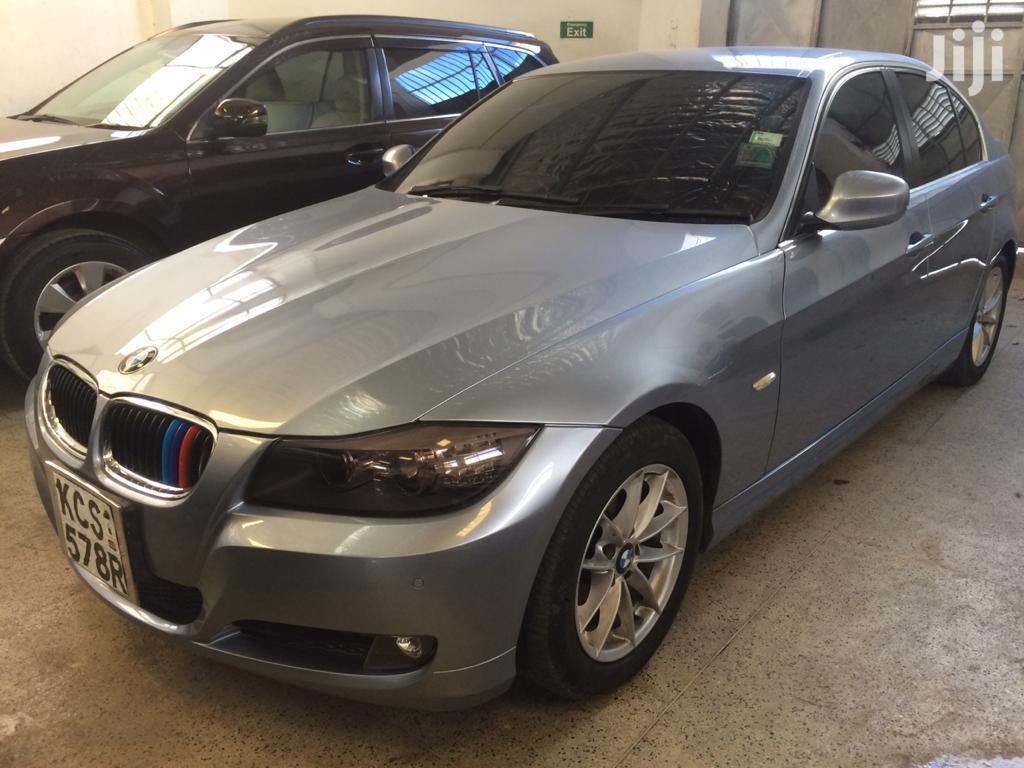 BMW 320i 2011 Blue