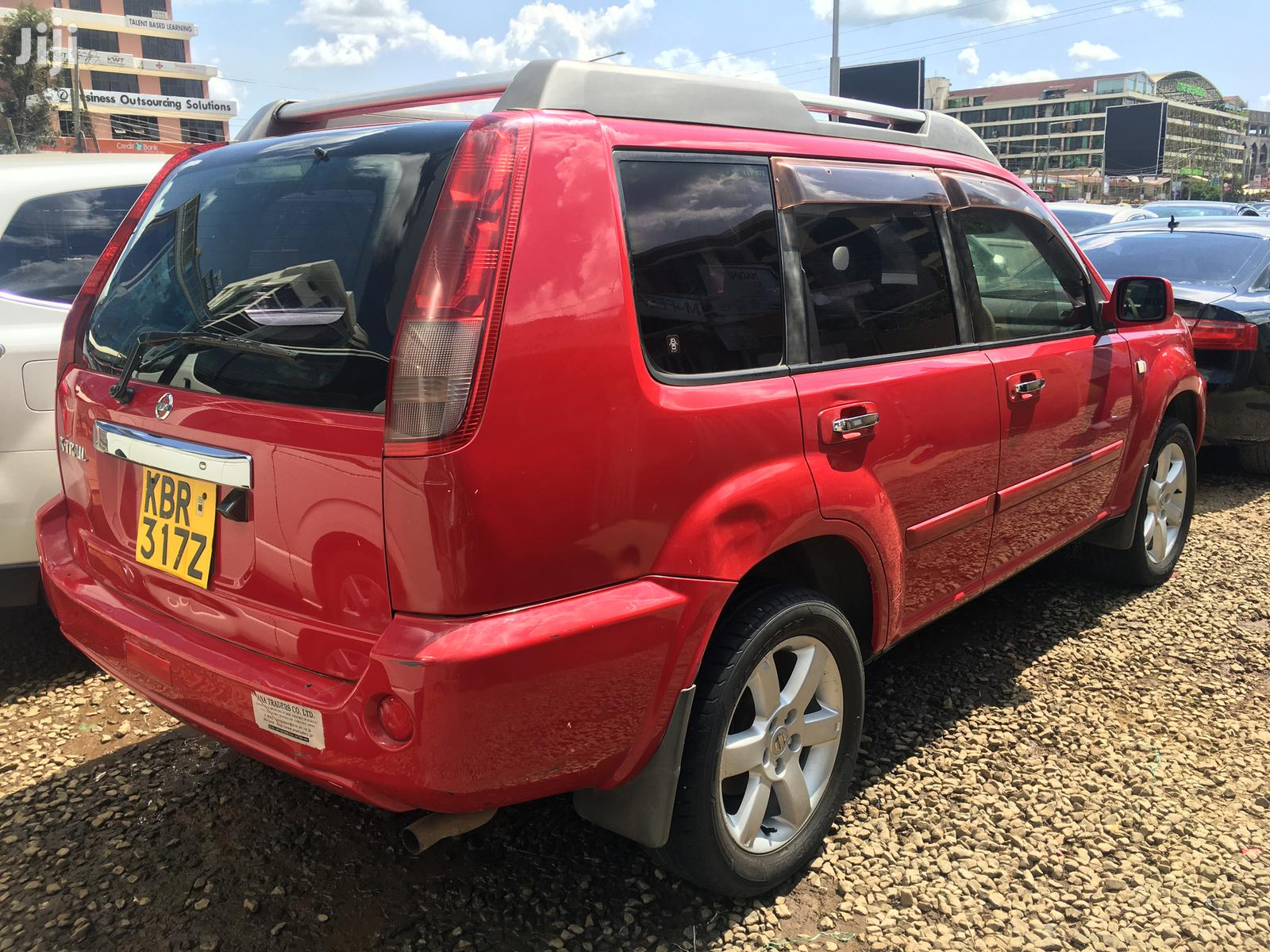 Archive: Nissan X-Trail 2007 2.0 Comfort Red