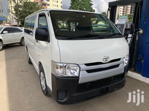 Hiace 2014 Model Petrol Automatic   Buses & Microbuses for sale in Nairobi, Kilimani