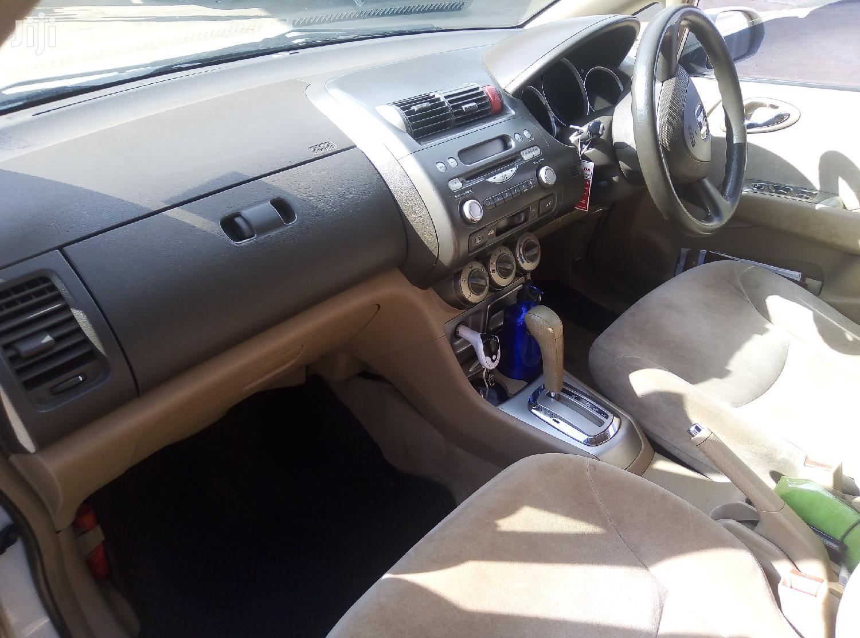 Archive: Honda Fit 2008 Automatic White
