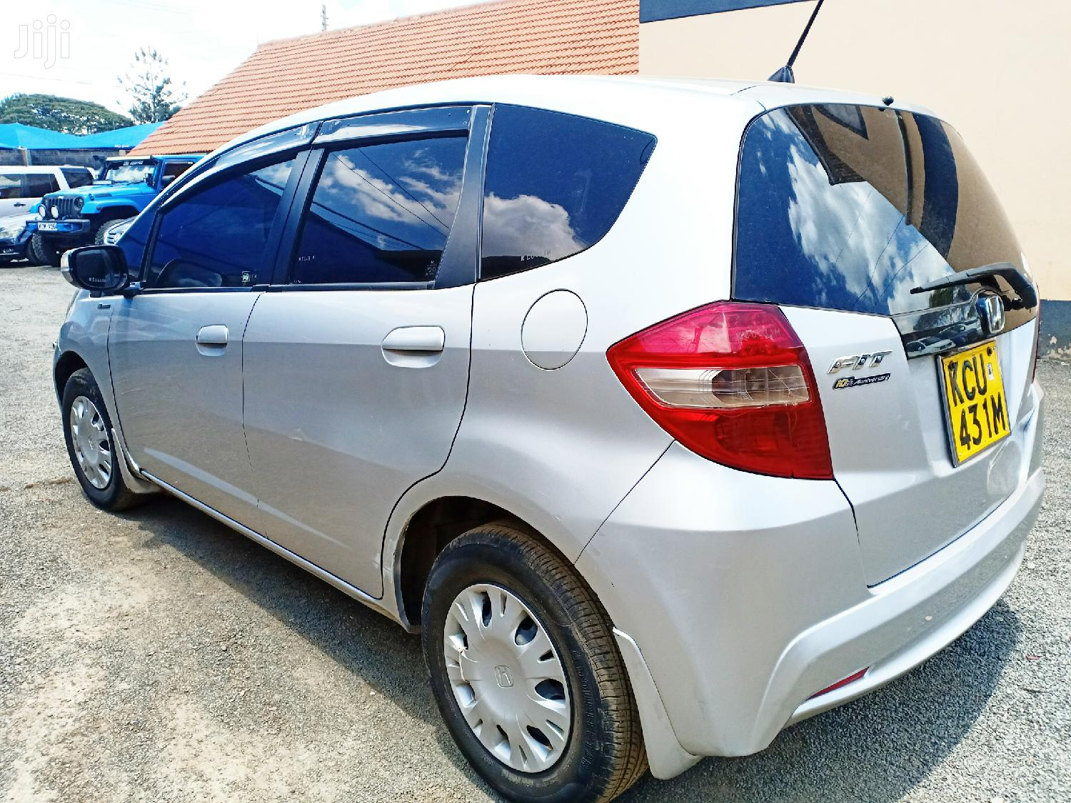 Archive: Honda Fit 2012 Silver