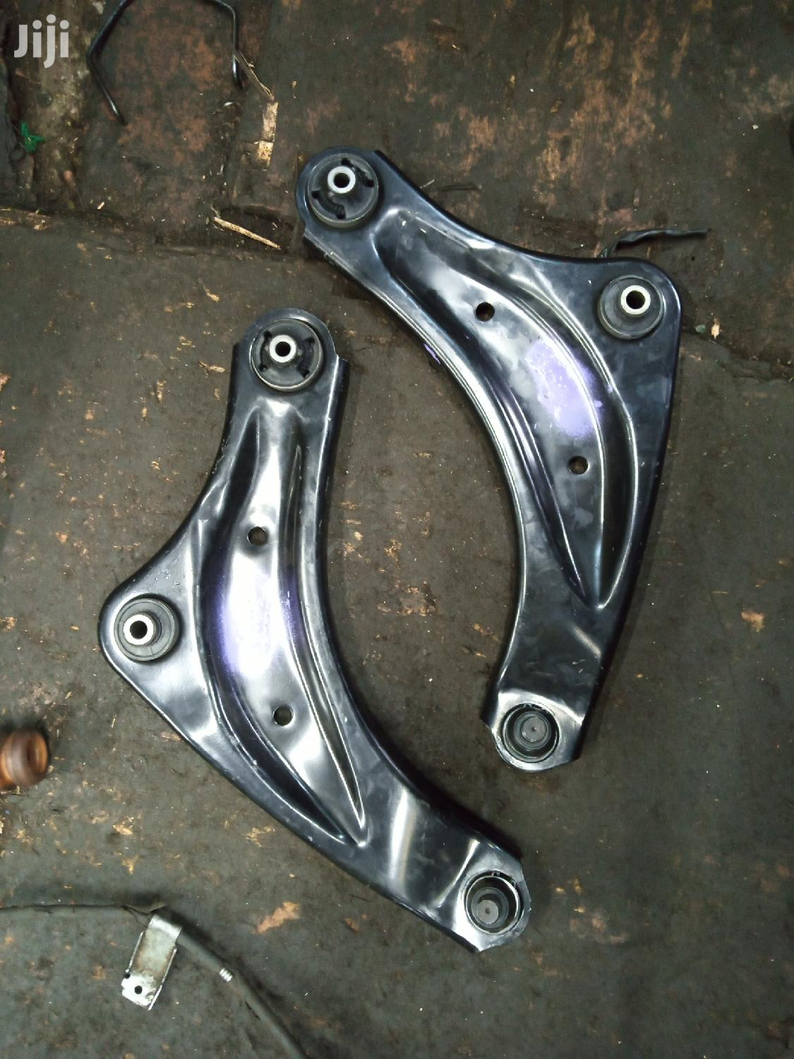 Contral Arms Nissan Juke | Vehicle Parts & Accessories for sale in Ngara, Nairobi, Kenya