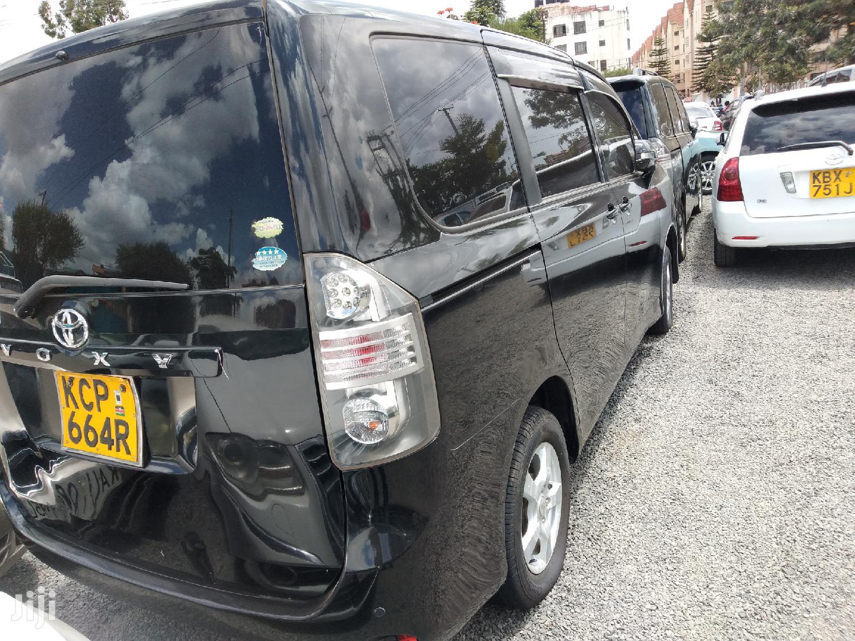 Archive: Toyota Voxy 2011 Black
