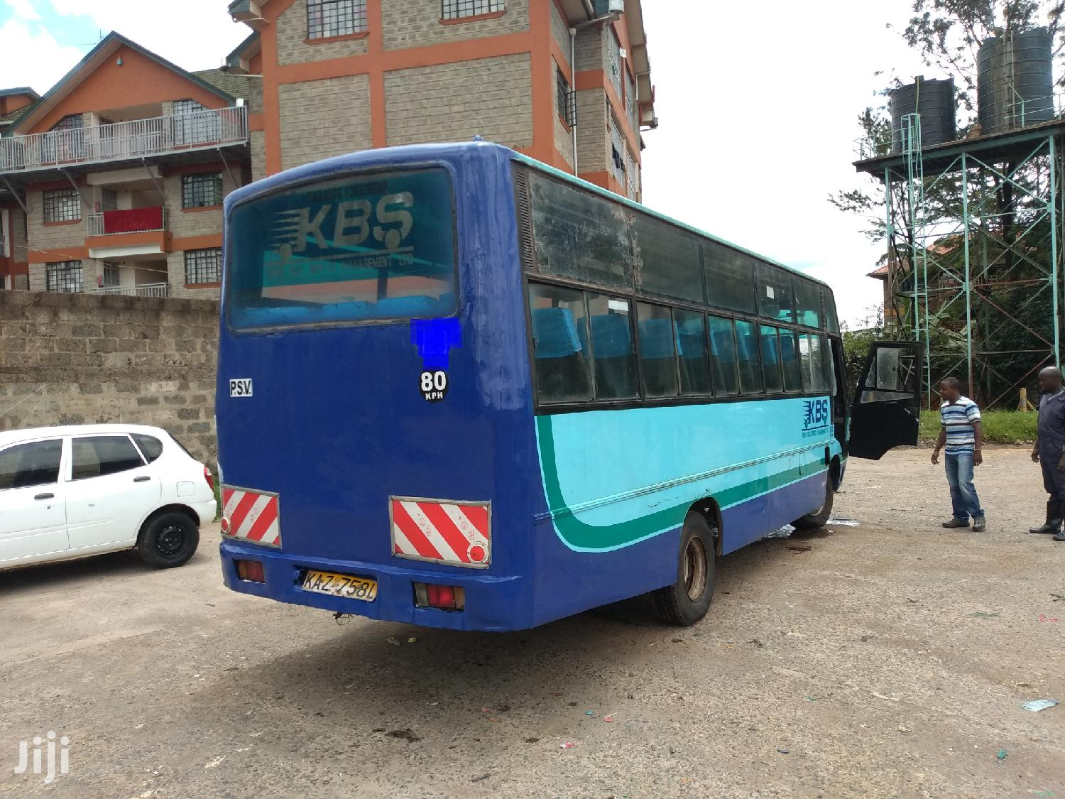 Isuzu Nqr Bus 33 Seater 2007 Blue