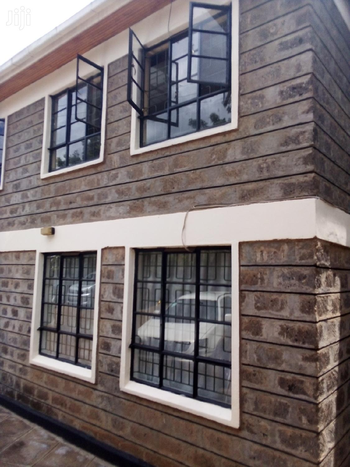 Three Bedroom With Servant Quarter In Kileleshwa To Let.
