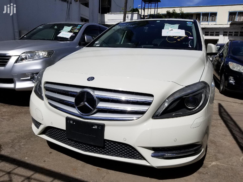 New Mercedes-Benz B-Class 2013 White