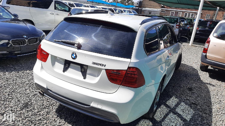 Archive: BMW 320i 2010 White