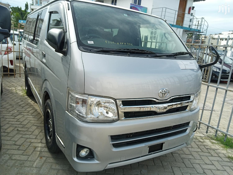 Toyota Hiace Auto Diesel