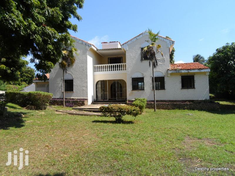 4 Bedroom Own Compound Mansion In A Gated Estate On Sale