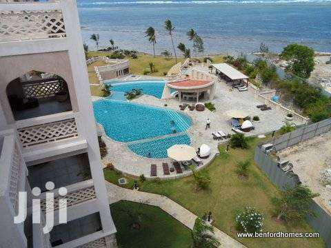 Luxurious 3 Bedroom Beach Side Furnished Holiday Apartment North Coast