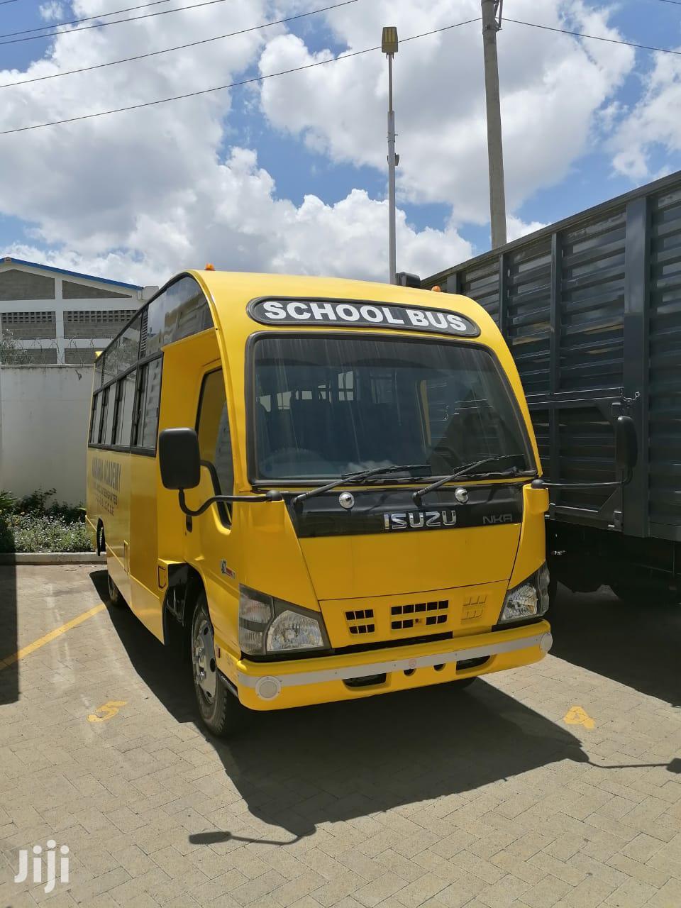 Isuzu NKR / NMR Bus 25 / 27 Seater