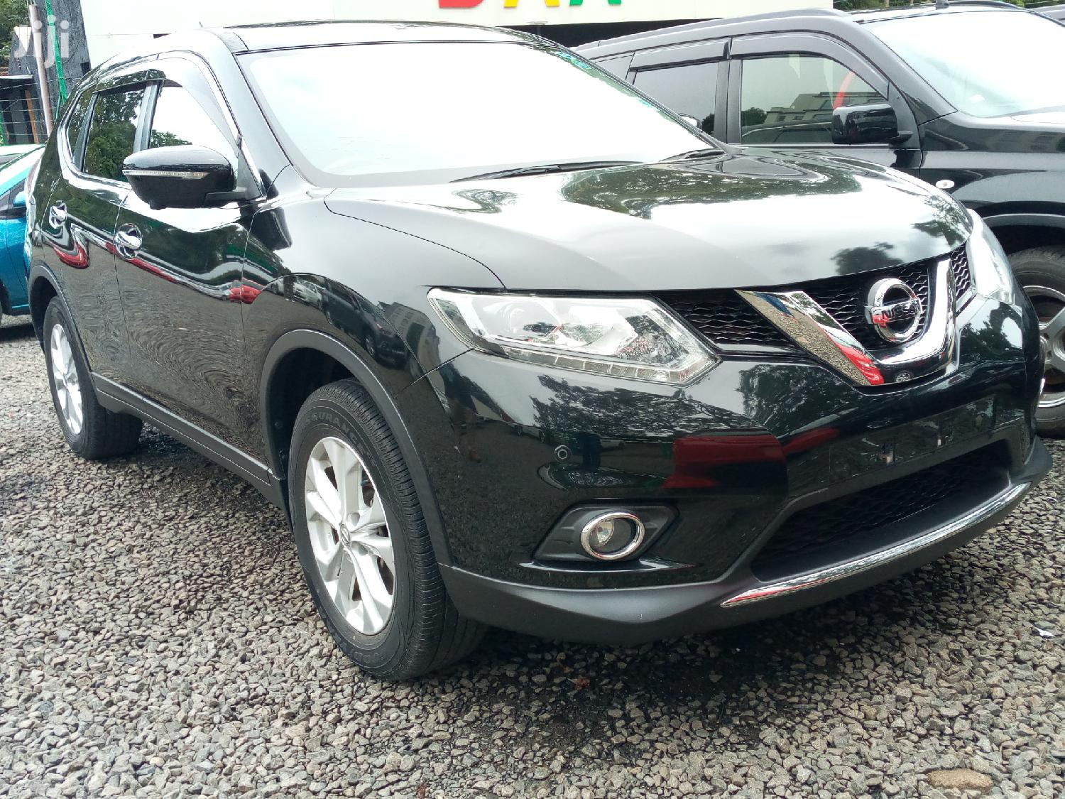 Archive: Nissan X-Trail 2014 Black