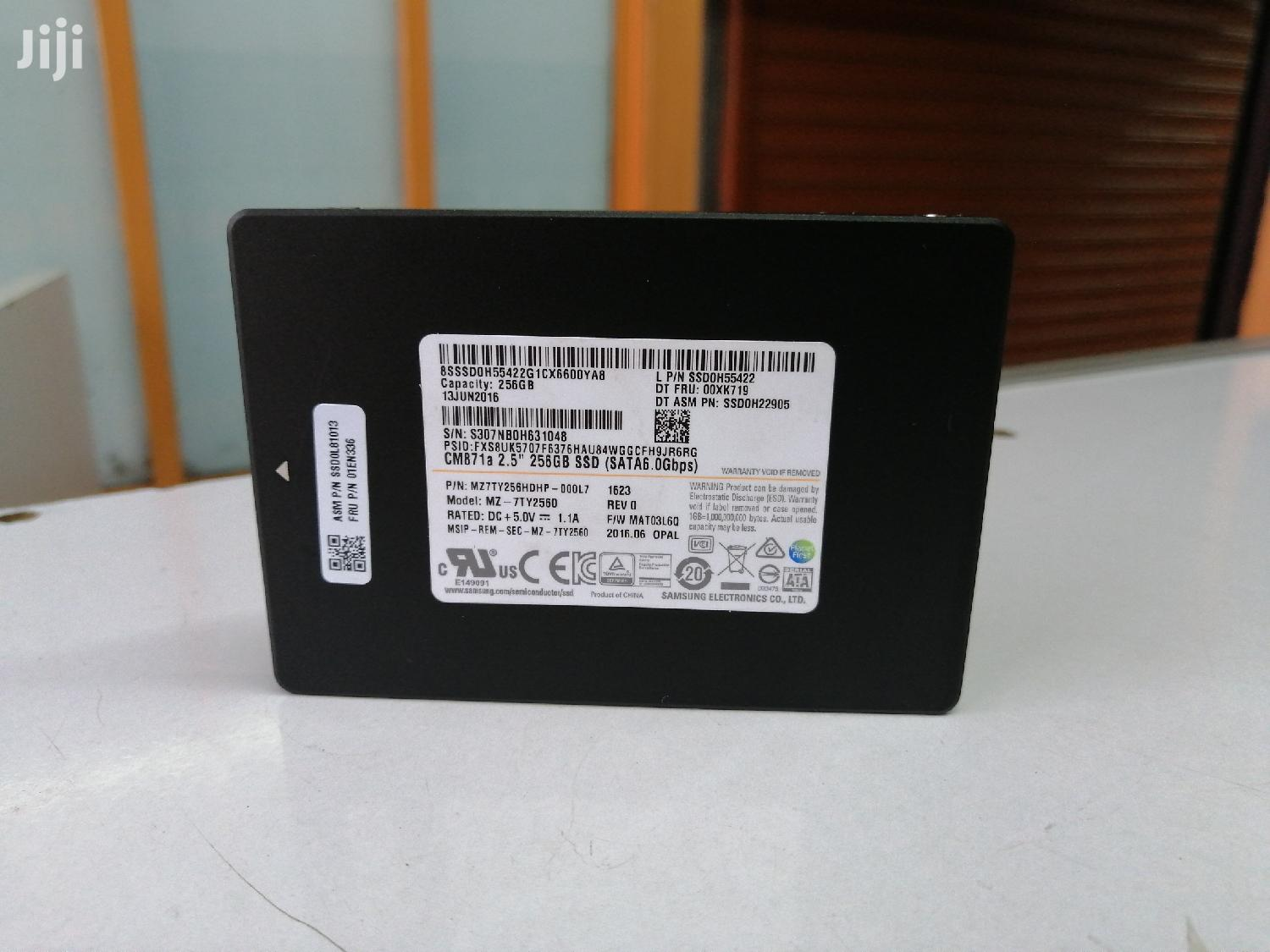 """Archive: Samsung 256gb SSD SATA 2.5"""" Solid State Drive"""