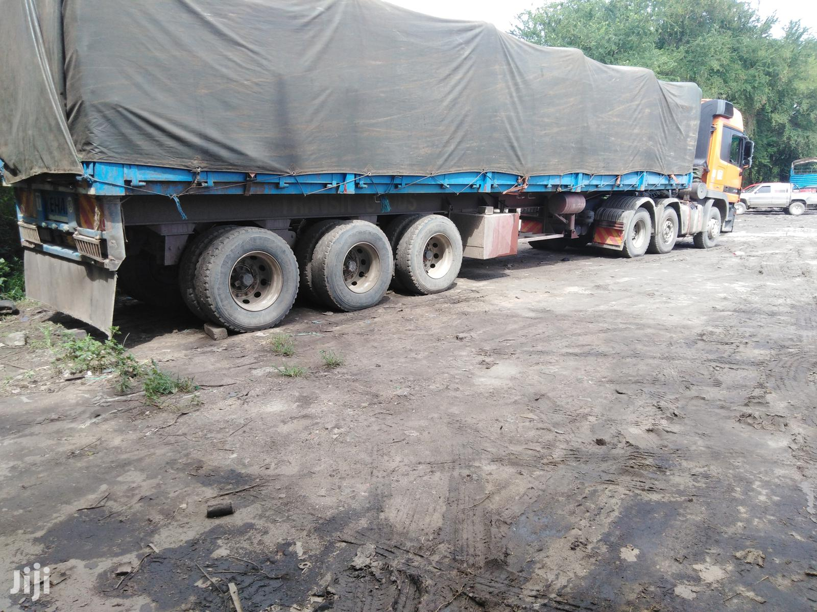 Clean ZE Highsided Trailer in Very Good Running Condition