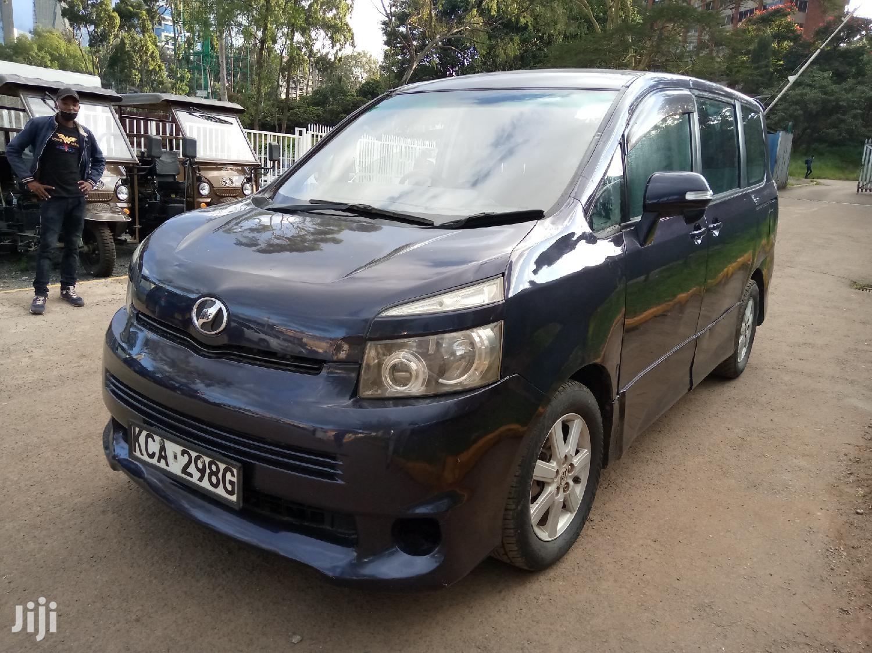 Toyota Voxy 2007 Blue