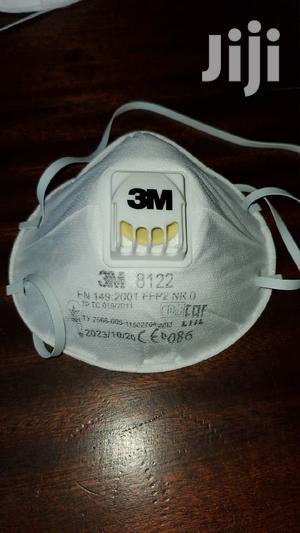 3M 8122 Original Face Masks With Respirator