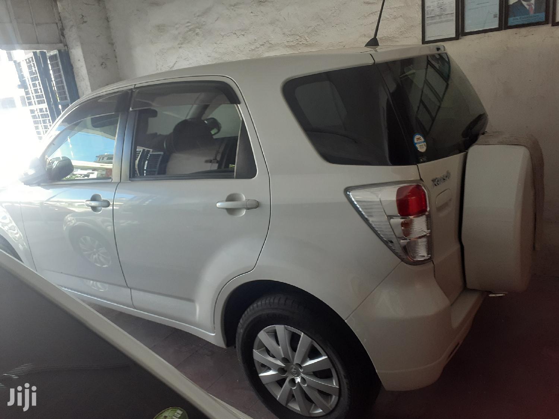 Archive: Toyota Rush 2013 White