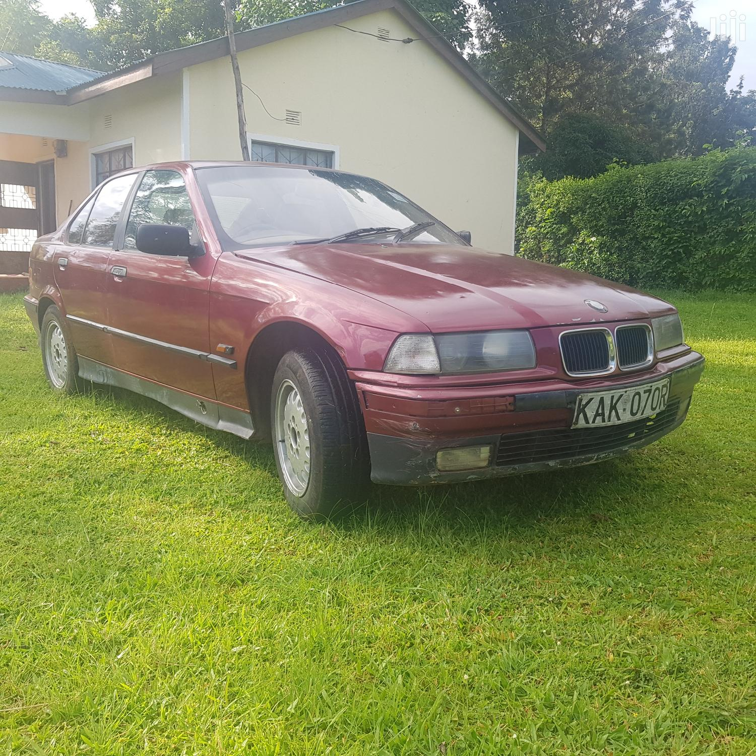 Archive: BMW 316i 1998 Red