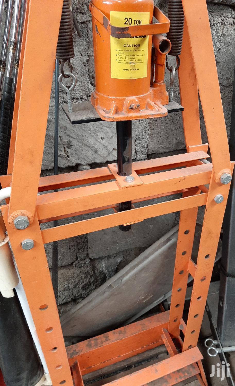 Archive: Ex US Hydraulic Press Machine