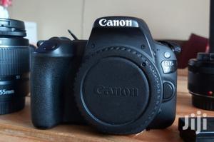 Canon 200D + Kit Lens