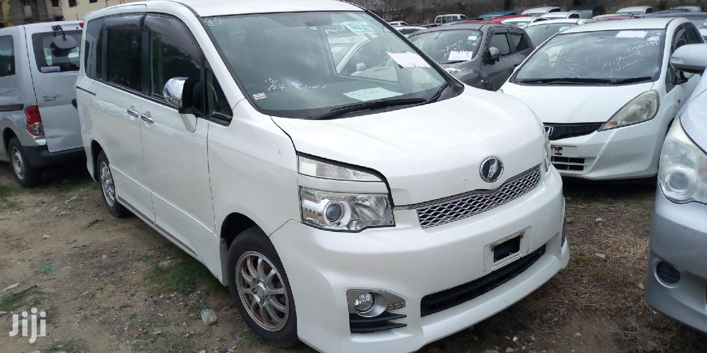 Toyota Voxy 2013 White