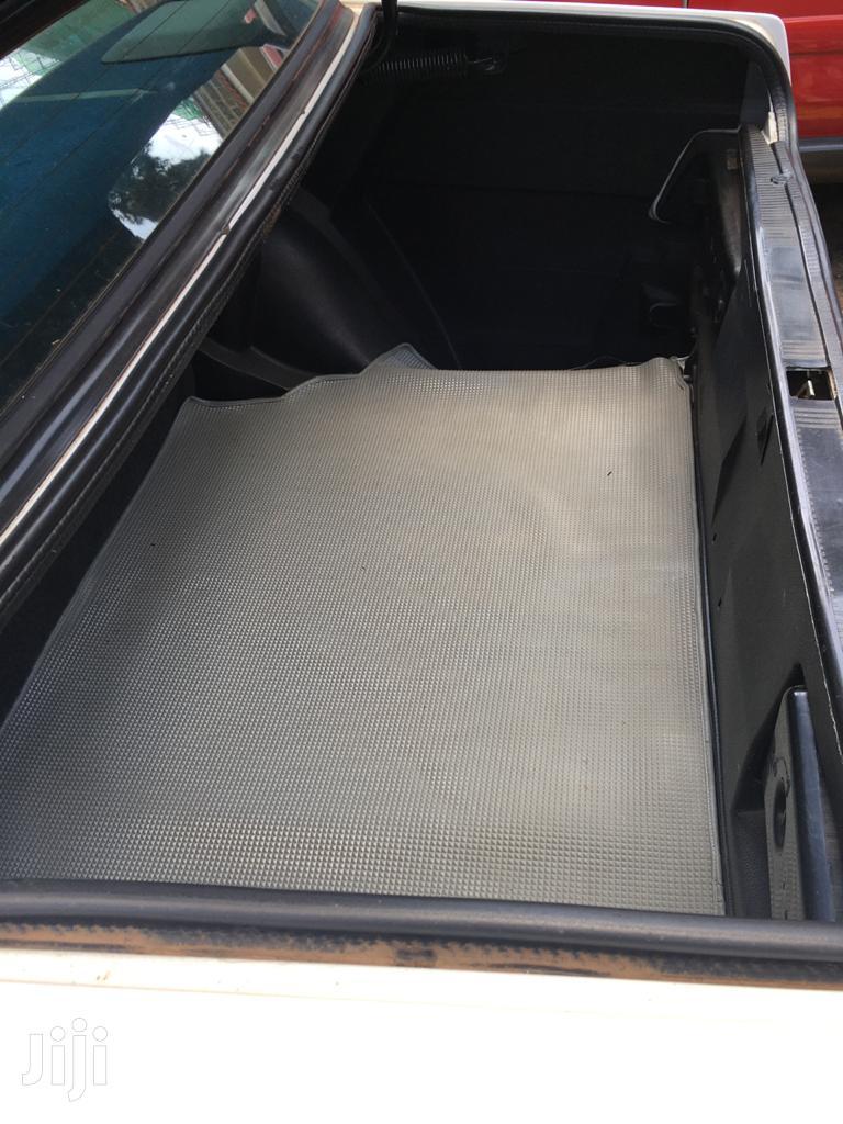 Archive: Mercedes-Benz 190E 1993 White