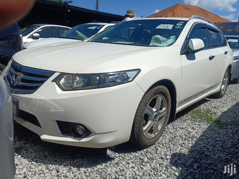 Archive: Honda Accord 2011 White