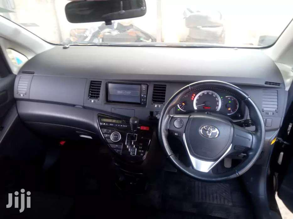 Toyota Isis 2012 Model 1800cc Valvematic Engine | Cars for sale in Makina, Kibra, Kenya