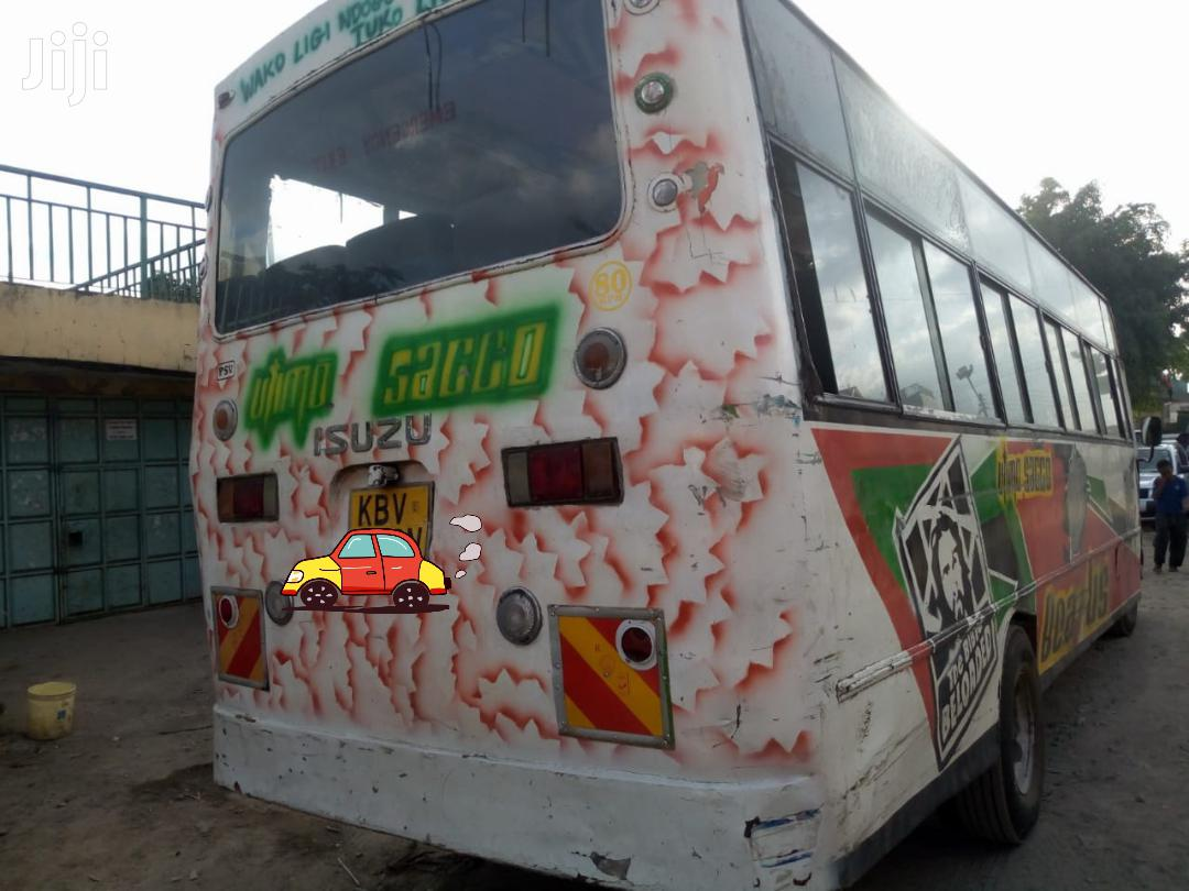Isuzu NQR Bus 2013