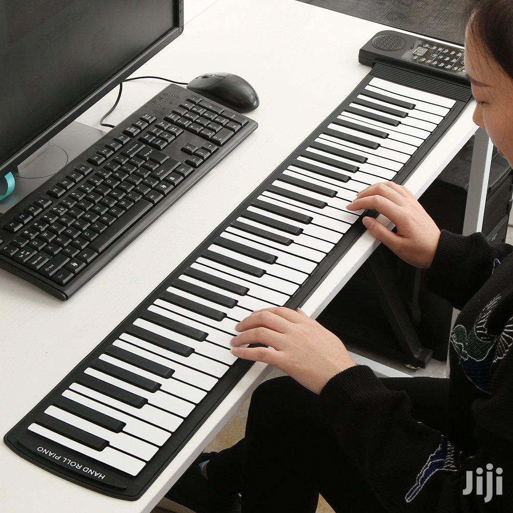 88 Keys MIDI Piano Roll Up Flexible Keyboard With Speakers