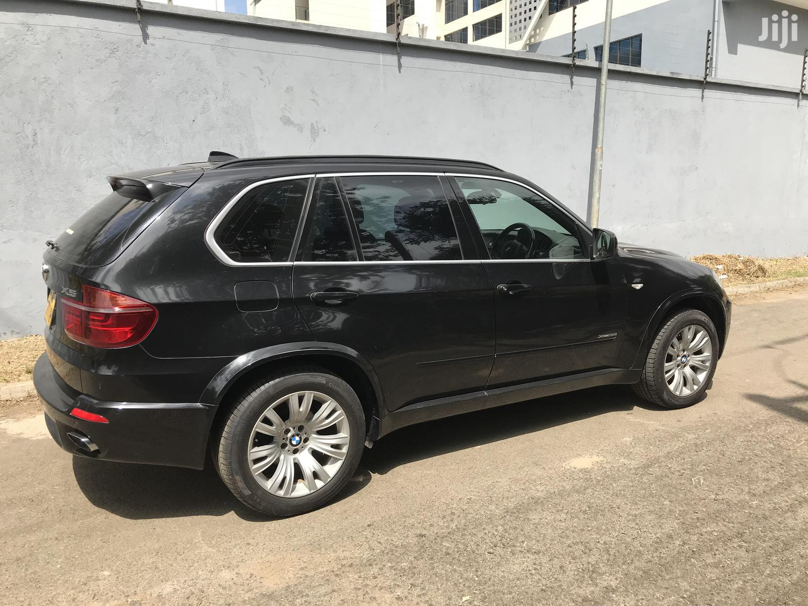 Archive: BMW X5 2011 Black