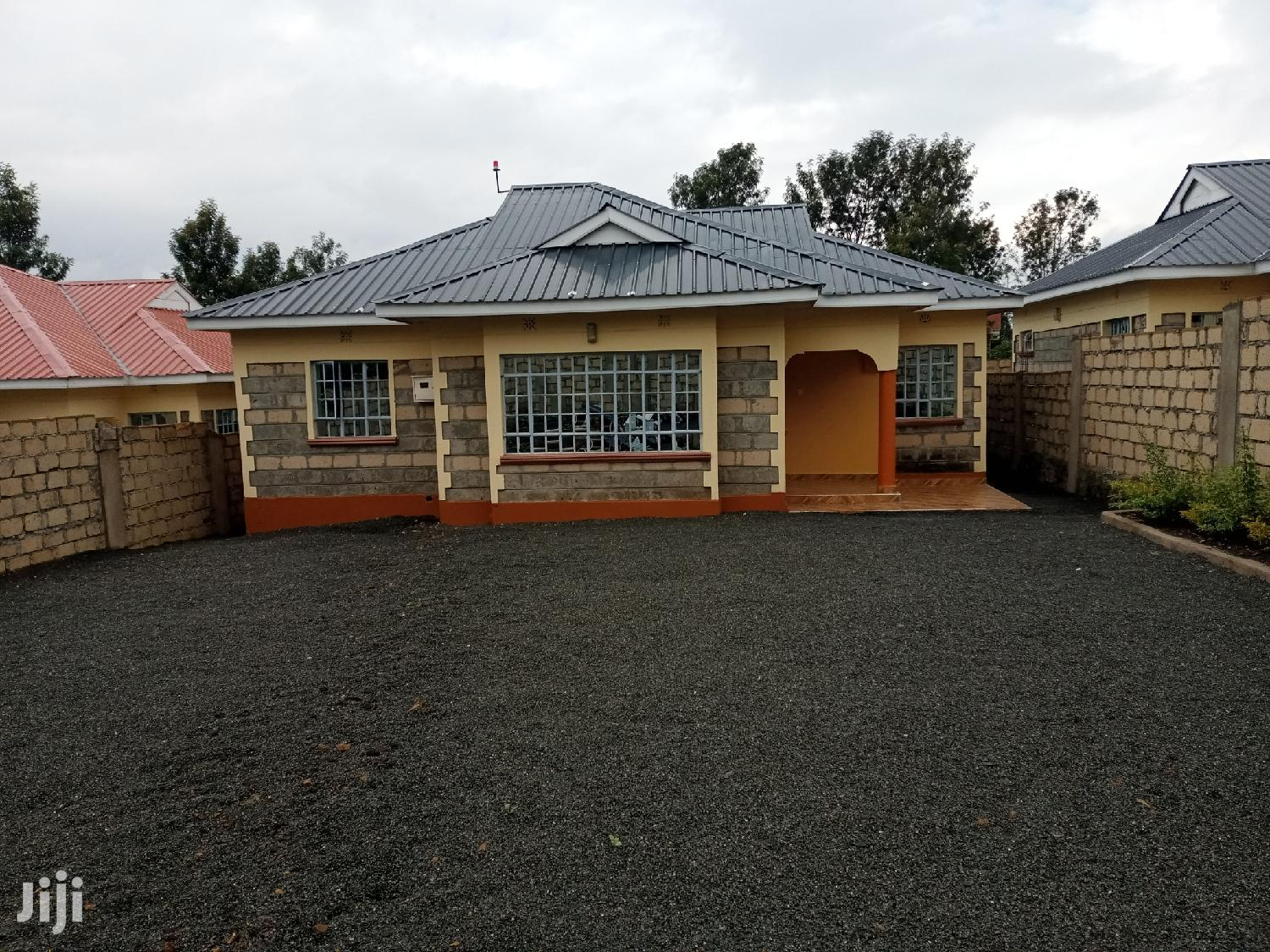 Archive: Executive Three Bedrooms For Rent