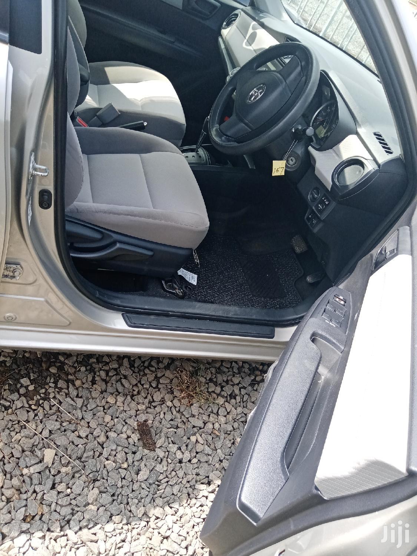 Archive: Toyota Corolla 2012 Beige
