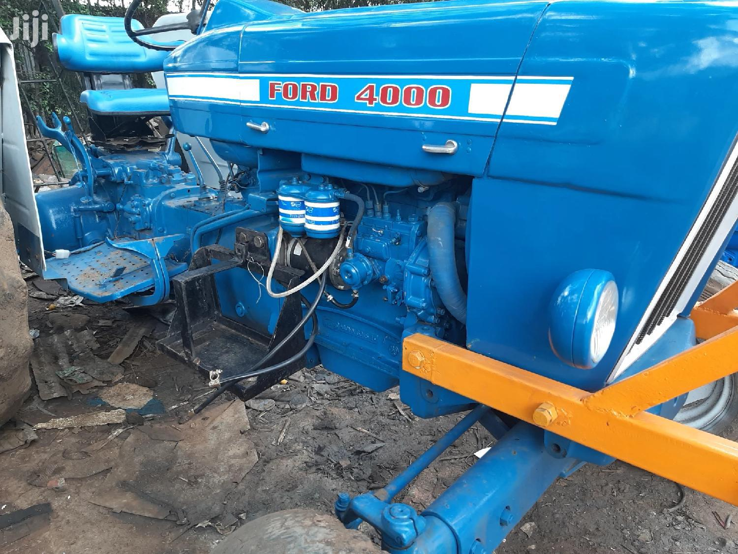 Archive: Tractor Ford 5000