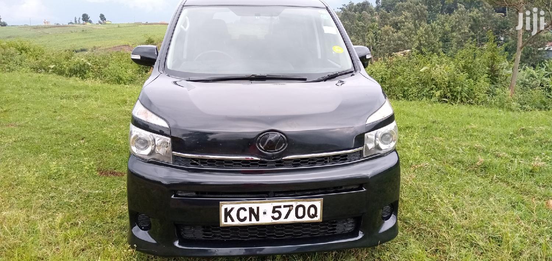 Toyota Voxy 2010 Black