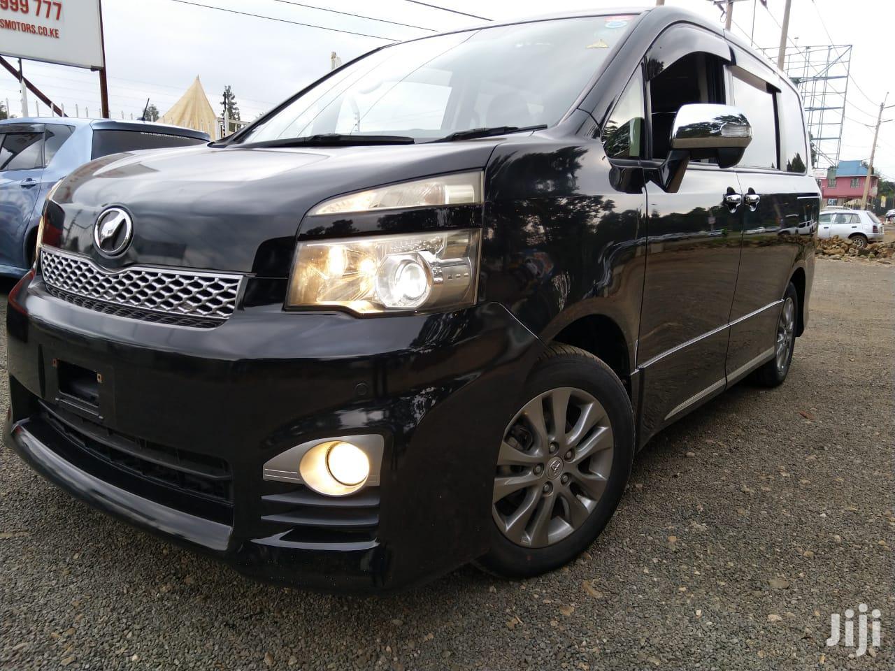 Toyota Voxy 2013 Black