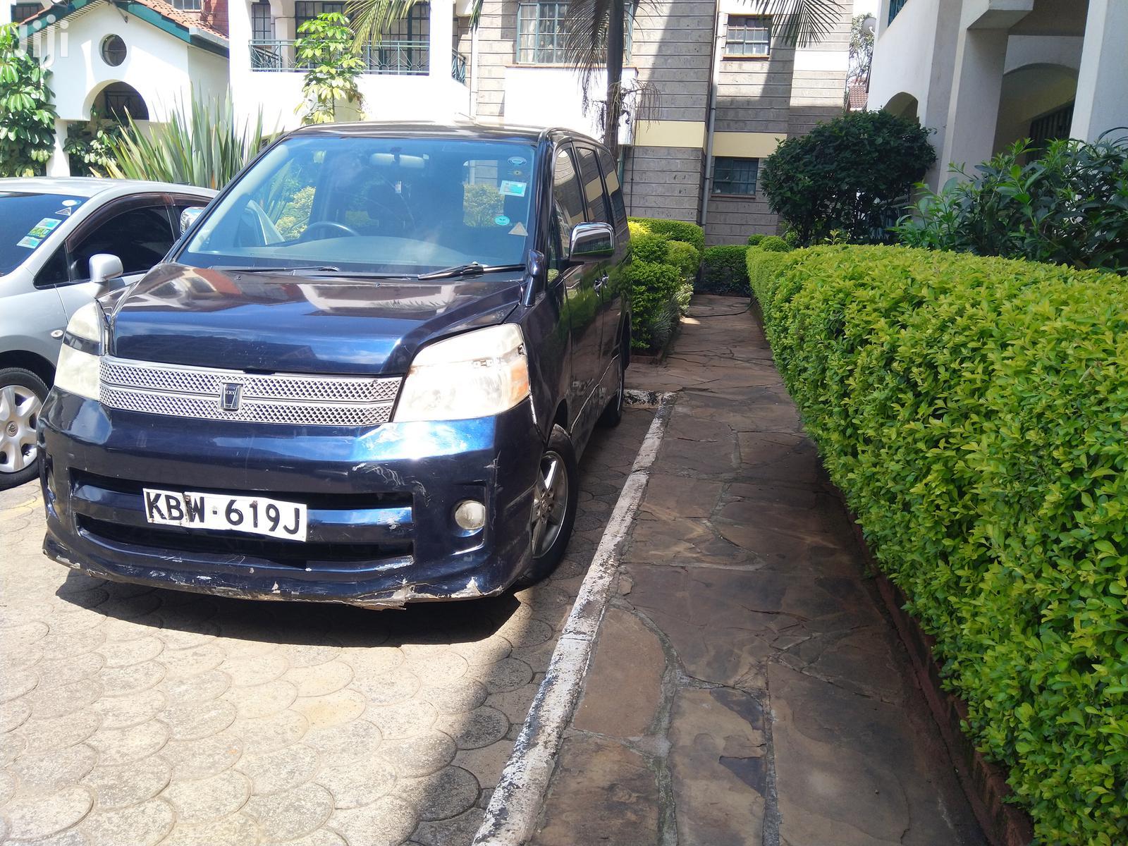 Toyota Voxy 2006 Blue