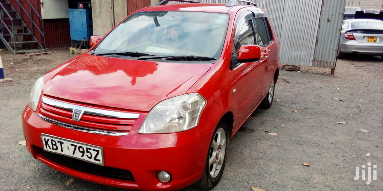 Archive: Toyota Raum 2005 Red