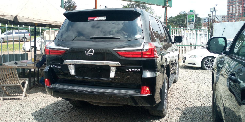 Archive: Lexus LX 570 2015 Base Black
