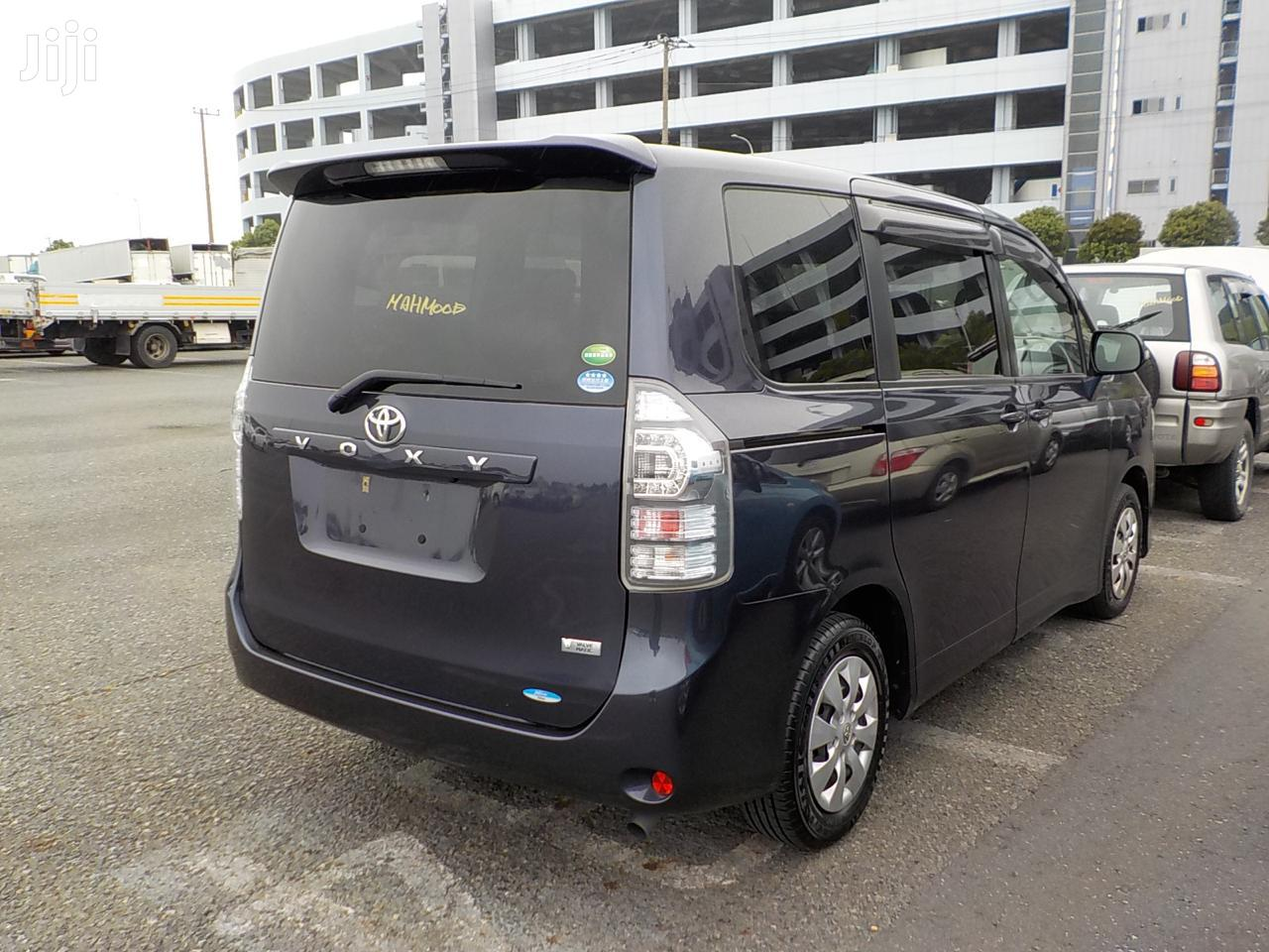 Archive: Toyota Voxy 2013 Blue