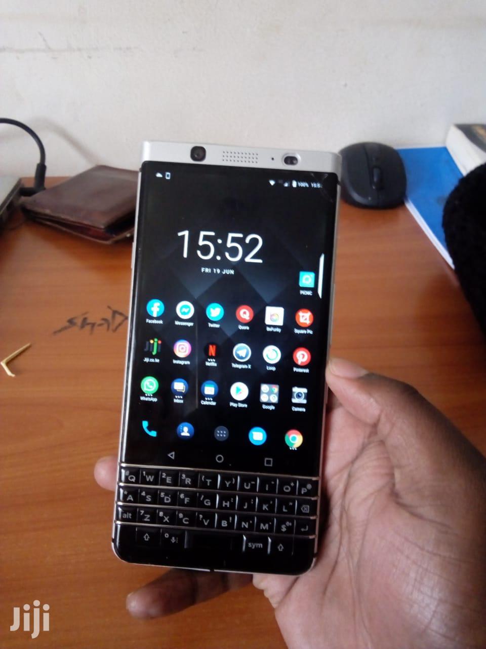 Archive: BlackBerry KEYone 32 GB Black