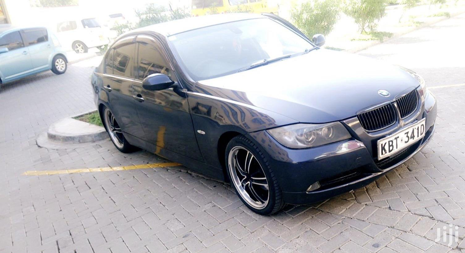 Archive: BMW 320i 2007 Blue