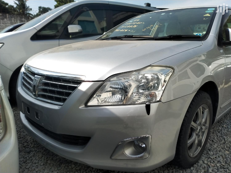 Toyota Premio 2013 Silver