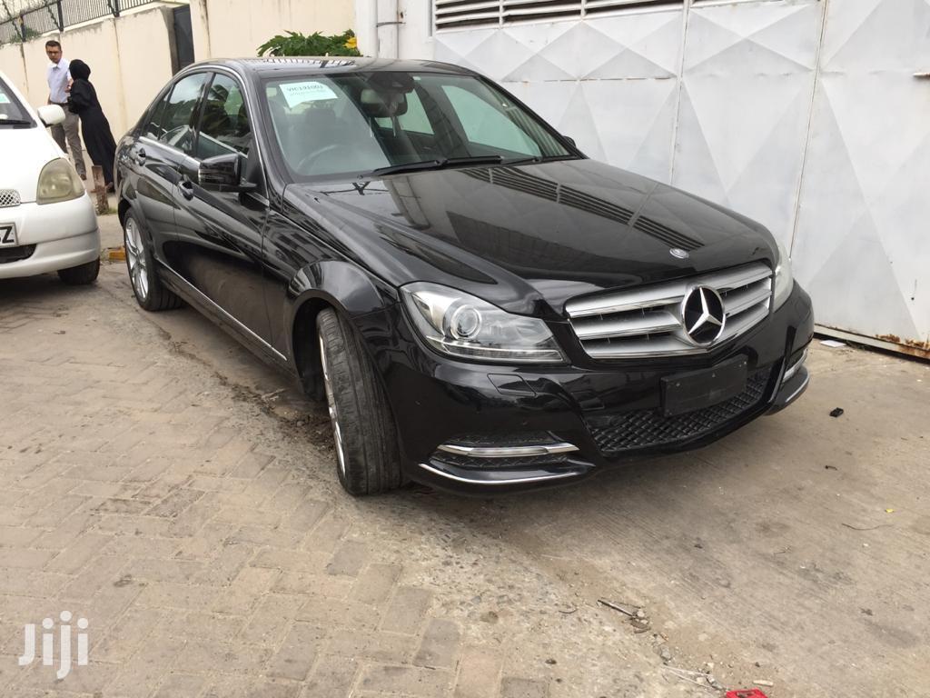 New Mercedes-Benz C200 2013 Black