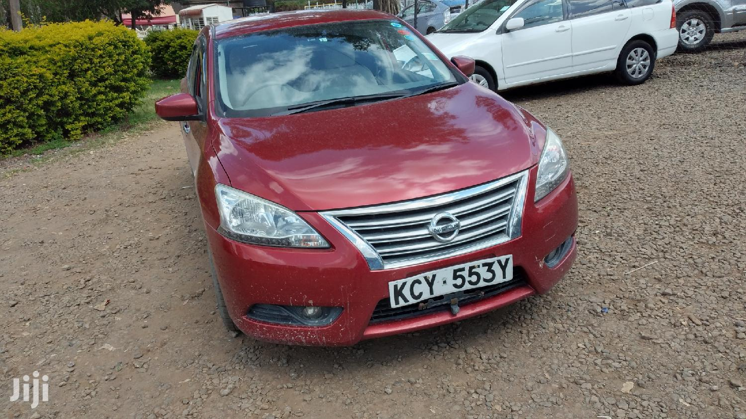 Archive: Nissan Bluebird 2013 Red