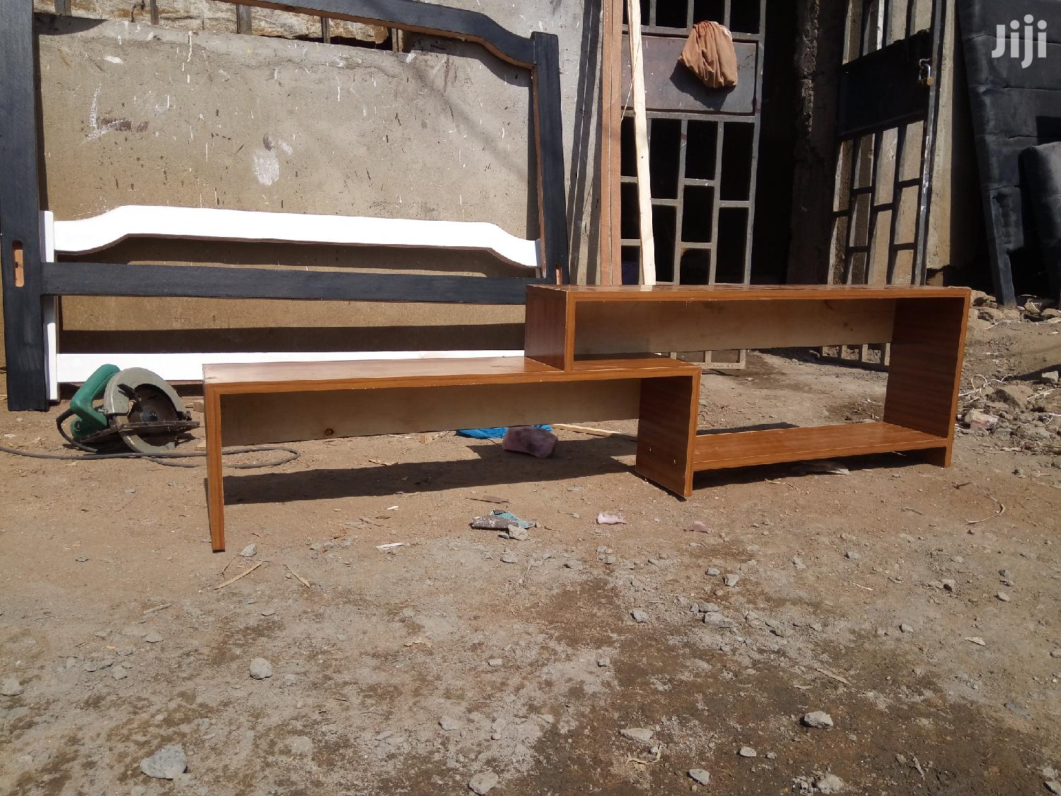 Simple Tv Stand For Flat Screens